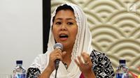 Yenny Wahid memberi pemaparan saat menjadi pembicara diskusi pada Forum terbuka di Jakarta, Senin (31/7). Forum tersebut membahas hubungan antara agama minoritas, mayoritas di Indonesia dan Amerika Serikat. (Liputan6.com/Johan Tallo)