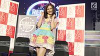 Member JKT 48, Melody berpose usai memberikan pengumuman kelulusan dirinya di acara 'JKT48 Request Hour Setlist Best 30 2017', Jakarta, Sabtu (4/11). Melody memutuskan lulus dari JKT48. (Liputan6.com/Herman Zakharia)