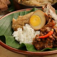 Liburan Naik Kereta, Kunjungi 5 Surga Kuliner di Tanah Jawa