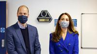 Kate Middleton menemani suaminya Pangeran William dalam tur mini di Skotlandia pada Senin, 24 Mei 2021. (PHIL NOBLE / POOL / AFP)