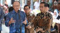 Presiden Joko Widodo (Jokowi) mengajak Presiden Bank Dunia Jim Yong Kim blusukan ke Desa Tangkil, Kecamatan Caring, Kabupaten Bogor, Jawa Barat, Rabu (4/7). Jokowi mengajak Kim meninjau Posyandu dan PAUD. (Liputan6.com/Angga Yuniar)