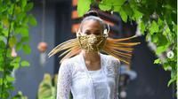 Makna Topeng Unik yang Dipakai Nadine Chandrawinata di Bali. (dok.Instagram @nadinelist/https://www.instagram.com/p/CIkCeBAh9oj/Henry)