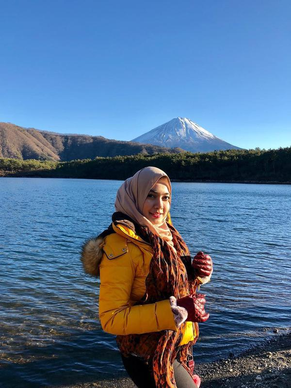 Potret Nadia Stefanie Bintang Sinetron Saras 008, Berhijab Setelah Dengar Berita Pesawat Jatuh