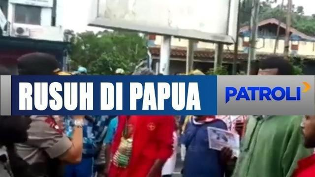 Kapolda Papua Barat Brigjend Polisi Herry Nahak pagi ini terjun langsung untuk menemui dan menenangkan warga.