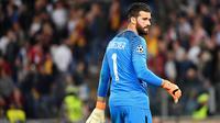 2. Alisson Becker - Dibeli Liverpool dari AS Roma dengan harga 66,8 juta poundsterling. (AFP/Alberto Pizzoli)