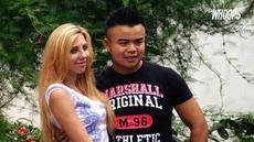 Mereka menikah setelah menjalin hubungan asmara selama 2 tahun.