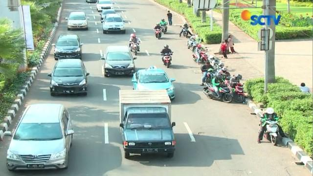 Diharapkan dengan kenaikan tarif parkir ini, mendorong warga untuk menggunakan transportasi publik, yaitu Transjakarta.