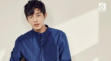 Sebelumnya, Yoo Ah In yang terkenal lewat drama Six Flying Dragons telah tiga kali gagal tes wajib militer.