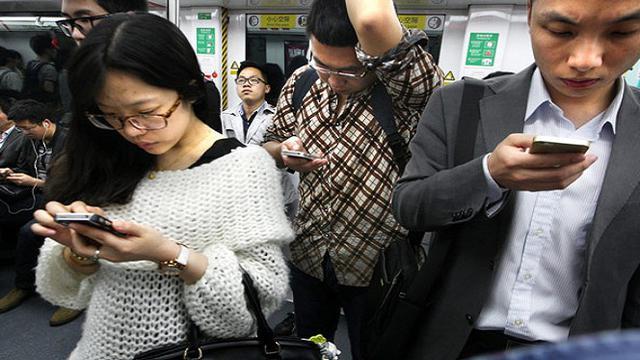 Risiko Kecanduan Smartphone di Asia Terus Meningkat