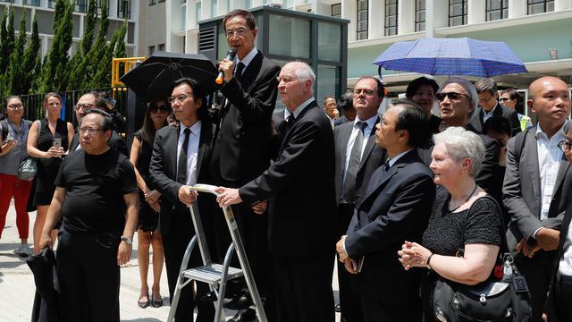 Kenakan Jas, Ratusan Pengacara Hong Kong Ikut Demo Tolak RUU Ekstradisi