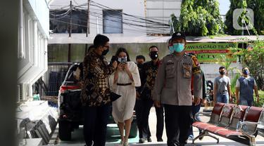 Artis Gisella Anastasia atau Gisel saat tiba di Pengadilan Jakarta Selatan, Selasa (23/3/2021). Gisel dihadirkan sebagai saksi kasus penyebar video syur dirinya dan Michael Yukinobu Defretes dengan terdakwa PP dan MN. (Liputan6.com/Herman Zakharia)