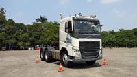 Volvo Truck Indonesia bersama PT Wahana Inti Selaras menggelar kompetisi adu irit mengendarai truk bertajuk Volvo Truck Indonesia Drivers Challenge 2018. (Septian/Liputan6.com)
