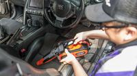 Mencuci Mobil Kini Bisa Tanpa Air (Leselite)