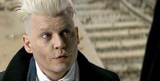 JK Rowling akhirnya buka suara setelah lama berdiam atas kontroversi yang melibatkan Johnny Depp dalam film Fantstic Beasts. (gizmodo.com.au)