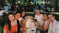 Momen Makan Malam Bersama Keluarga Bryan Domani. (Sumber: Instagram.com/megandomani1410)