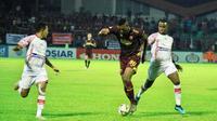 Duel PSM vs Persipura di Stadion Andi Mattalatta Mattoangin, Makassar, Senin (18/11/2019). (Bola.com/Abdi Satria)