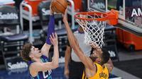 Tembakan LaMelo Ball diblok Rudy Gobert pada lanjutan NBA (AP)