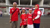 Suporter berbondong-bondong ke Stadion Utama Gelora Bung Karno pada Minggu (28/10/2018) demi dukung Timnas Indonesia U-19.