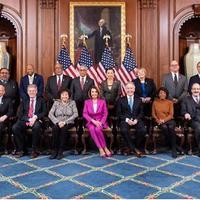 Simak penampilan Nancy Pelosi gunakan fashion untuk menunjukkan kekuatan perempuan di dunia politik (Foto: Instagram/gulf_news_19)