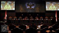 Suasana sidang perdana pengujian Undang-Undang Pilkada mengenai cuti selama masa kampanye yang diajukan Gubernur DKI, Basuki Tjahaja Purnama di Mahkamah Konstitusi, Jakarta, Senin (22/8). Ahok datang tanpa didampingi kuasa hukum (Liputan6.com/Johan Tallo)
