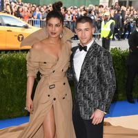 Tak hanya itu, Nick Jonas dan Priyanka Chopra pun terlihat senang menghabiskan waktu bersama. (People Magazine)