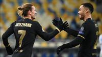 Antoine Griezmann (kiri) tampil sebagai cadangan tapi cetak gol saat Barcelona gulung Dynamo Kiev (AFP)