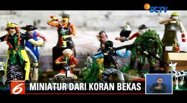 Pengrajin asal Cirebon, Jawa Barat, ini berinovasi buat miniatur dari bahan dasar koran bekas.