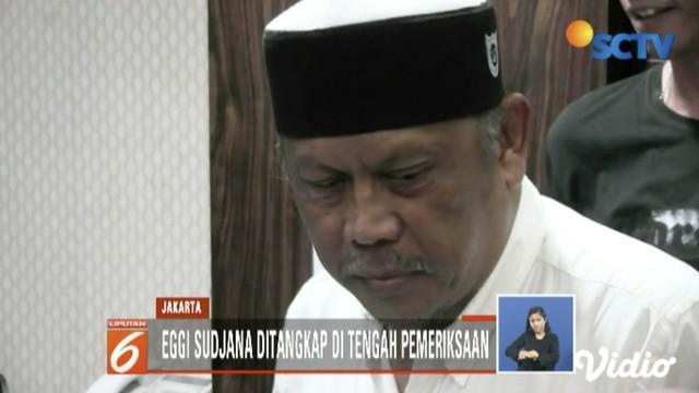 Tersangka dugaan makar people power, Eggi Sudjana, ditangkap saat menjalani pemeriksaan di Polda Metro Jaya.
