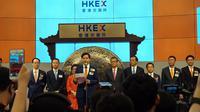 CEO sekaligus Founder Xiaomi, Lei Jun, saat memberikan sambutan dalam IPO perusahaan di Bursa Saham Hongkong, Senin (9/7/2018). (Liputan6.com/ Agustin Setyo W).