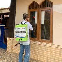Penyemprotan Cairan Disinfectant oleh YPP Untuk Warga Di Tangerang Selatan & Sekitarnya