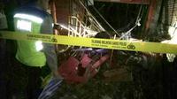 Polisi masih mengejar pemilik bahan petasan yang meledak dan menyebabkan sekitar tujuh rumah rusak di Kebumen, Jawa Tengah. (Foto: Humas Polres Kebumen/Liputan6.com/Muhamad Ridlo)