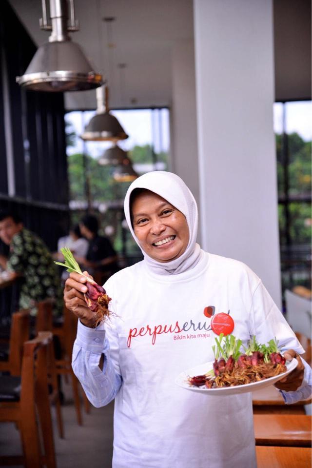 Ibu Sulistioningsing/copyright vemale.com/Anisha SP