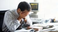 Ilustrasi Stres karena terjerat utang | foto : istimewa