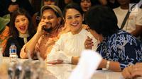 Penyanyi Andien dan musikus lainnya menemui Ketua DPR Bambang Soesatyo di Kompleks Parlemen, Senayan, Jakarta, Senin (28/1). Pertemuan untuk meminta prioritas Program Legiislasi Nasional (Prolegnas) DPR 2019 dalam RUU Permusikan (Liputan6.com/Johan Tallo)