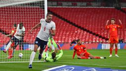 Conor Coady dipilih Southgate karena penampilan gemilangnya bersama Wolverhampton di Liga Primer musim 2020/2021. Namun ia tak pernah menjadi pilihan utama di lini pertahanan, kalah dari Tyrone Mings dan Harry Maguire sebagai duet John Stones. (Foto: AFP/Pool/Glyn Kirk)
