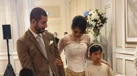 Adinda Bakrie resmi menikah dengan Vinny Di Lucia, Minggu, 15 Maret 2020. (dok. Instagram @adindabakrie/https://www.instagram.com/p/B9vv6WQJMn1/?hl=en/Putu Elmira)