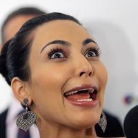Kim Kardashian memasang wajah konyol saat perayan 28th Annual FiFi Awards, di Newy York pada 10 Juni 2010. (HENRY LAMB/PHOTOWIRE/BEI/REX/SHU/HollywoodLife)