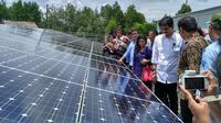 Direktur Jenderal EBTKE Kementerian Energi dan Sumber Daya Mineral (ESDM) Rida Mulyana meresmikan beberapa infrastruktur Energi Baru Terbarukan dan Konversi Energi (EBTKE) di Kalimantan Utara pada Sabtu ini (6/5/2017). (Liputan6.com/Achmad Dwi Afriyadi)