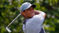 Atlet golf profesional Tiger Woods memiliki hobi memancing ikan di laut dengan tombak atau 'spear fishing'. Banyak orang mengira golf adalah hobinya sehingga membuat ia menjadi atlet golf profesional. (AFP/Bintang.com)