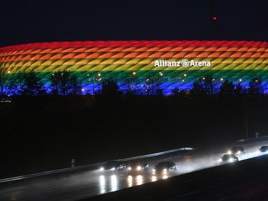 Stadion yang terletak di Kota Munich, Jerman ini merupakan markas dari Tim Nasional Jerman dan Bayern Munchen sejak dibuka pertama kali pada 2005 hingga kini. Merupakan stadion terbesar kedua di Jerman setelah Westfalenstadion di Dortmund. (AFP/Andreas Gebert/Pool)