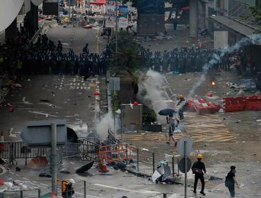 Bentrokan Pecah Saat Aksi Tolak RUU Ekstradisi di Hong Kong