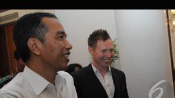 Gitaris asal London itu menemui Jokowi untuk menyampaikan ucapan selamat karena terpilih sebagai pemenang dalam Pilpres 2014, Jakarta, Rabu (6/8/2014) (Liputan6.com/Herman Zakharia)