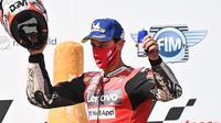 Pembalap Ducati, Andrea Dovizioso, menjuarai MotoGP Austria, di Sirkuit Red Bull Ring, Minggu (16/8/2020). (AFP/Joe Klamar)