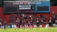 Skuat Persik setelah kalah 1-2 dari Sulut FC di Stadion Brawijaya, Kediri (8/10/2019). (Bola.com/Gatot Susetyo)
