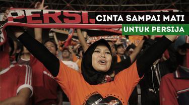 Eka Ajeng Putri, seorang jak angel yang mencintai Persija Jakarta dalam keadaan apapun.