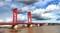 Jembatan Musi Palembang yang membelah Sungai Musi di pusat Kota Palembang Sumsel (Liputan6.com / Nefri Inge)