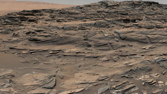 Wilayah perbukitan yang ditemukan robot Curiosity merupakan bekas danau di planet Mars, apakah benar?