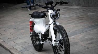 Honda Cub tenaga listrik (Silodrome)