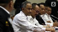 Kepala BNN Komjen Heru Winarko saat mengikuti rapat kerja dengan Komisi III DPR di Gedung Nusantara II, Kompleks Parlemen, Jakarta, Kamis (21/11/2019). Rapat membahas rencana strategis BNN dan BNNP serta hasil pemeriksaan BPK semester I tahun 2019. (Liputan6.com/JohanTallo)