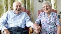 Tidak ada kata terlambat untuk menemukan cinta sejati. Pasangan tertua ini menikah di usia 103 tahun dan 91 tahun.